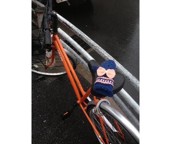 クスっと笑えるLOVEがある東京的偏愛生活 〜片手袋編|Favoritism to lonely gloves_3