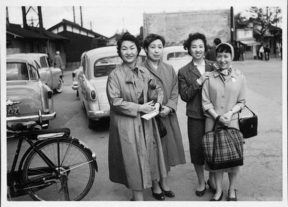戦後 女性 ファミリアの軌跡