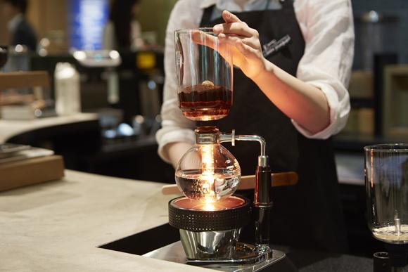 香りにこだわった究極のコーヒーを出すと噂のスターバックスに行ってきた!