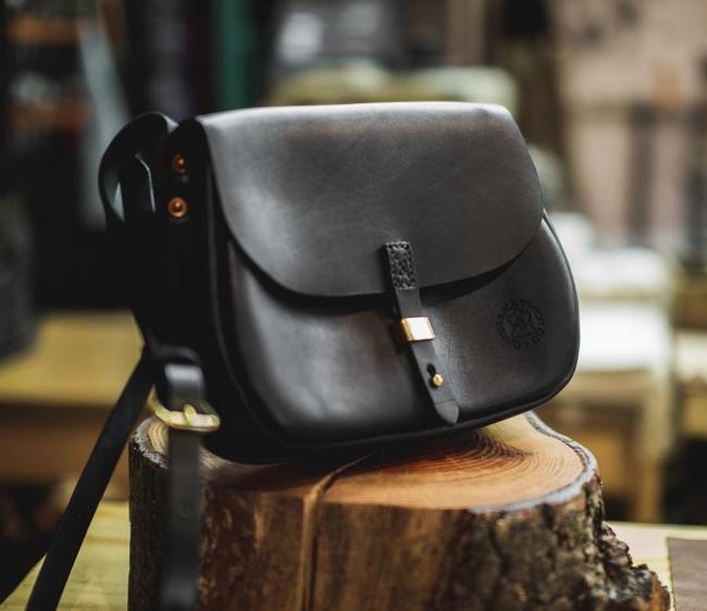 米国ポートランドのレザークラフトメーカー「Orox Leather」製メルケースサドルバッグ発売