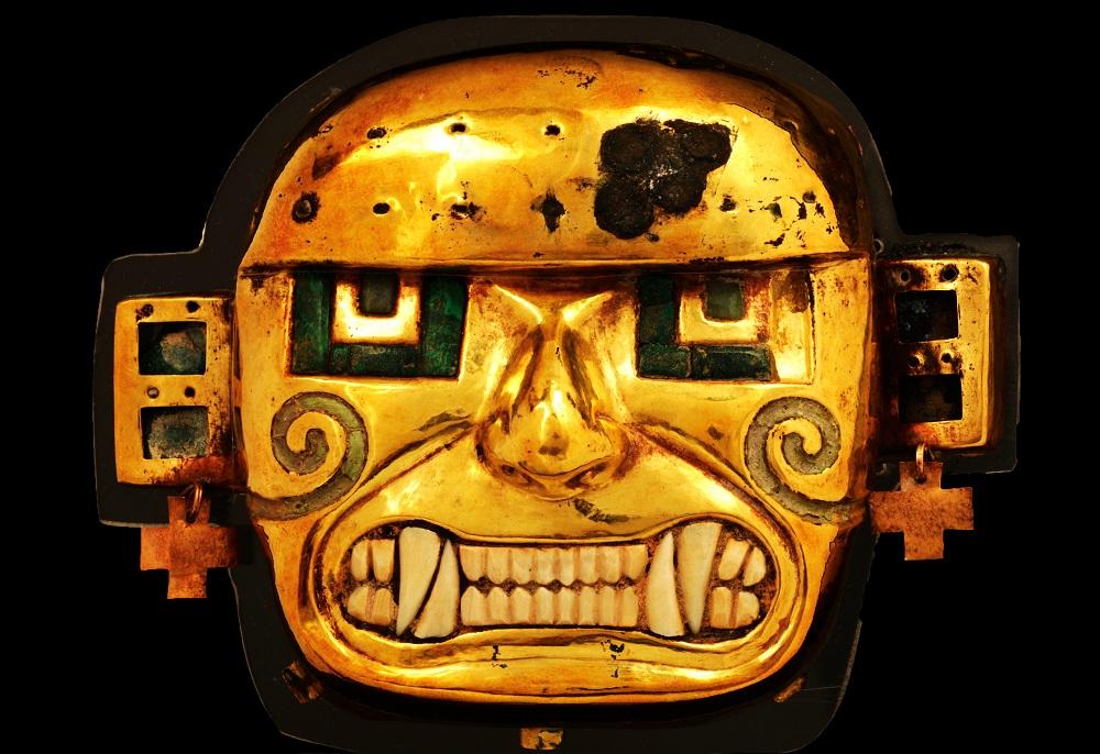 《黄金製の神像》 モチェ文化(紀元200年頃から750/800年頃) ペルー文化省・国立博物館所蔵